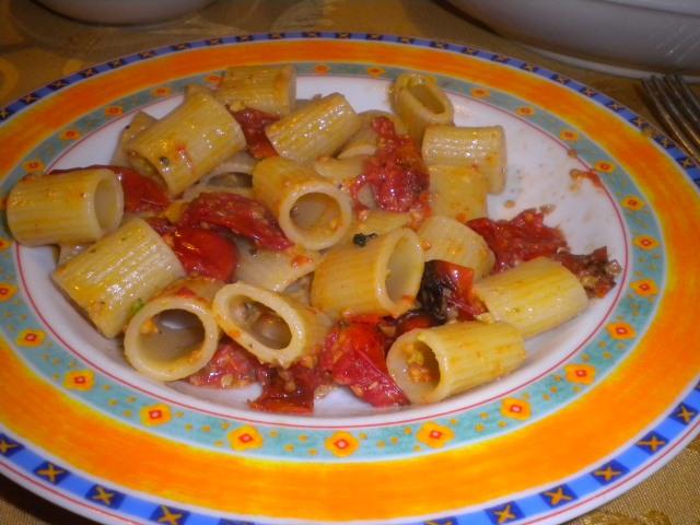 pasta pomodoro pistacchio